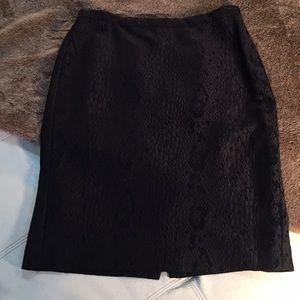 Snak print knee height skirt-lined